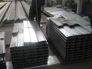 China Stahlrahmen-Gebäude galvanisierte Stahlpurlins für Stützdach-Blatt fournisseur