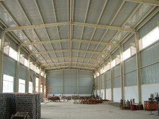 China Tragbares langlebiges Gut Vor-führte Gebäude, leichte Stahlwerk-Hallen-Scheune aus fournisseur