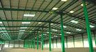 China Kundenspezifische Fabricated Vor-führte die errichtende Stahlkonstruktion aus, die doppelte Spanne errichtet usine