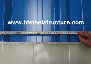 Gewölbte Stahlblech-Metalldeckung bedeckt Hausdach-Dach-Platte